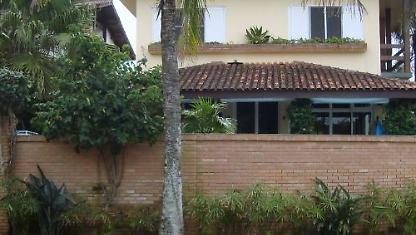 In front of the sea-beach of the Juréia-Lit. North