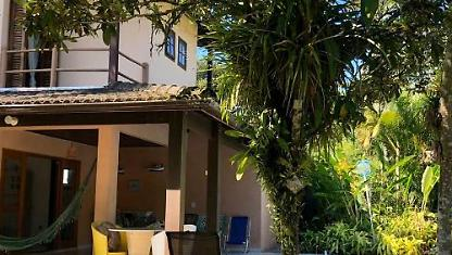 Beautiful home with Landscaped Garden and homemade