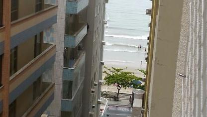 3-bedroom apt, at 50 m from the beach of Baln. Camboriú